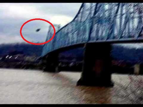 mothman-sighting-ohio-river