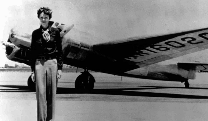 20 Interesting Facts about Amelia Earhart to Know What Happened to ...
